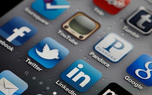 iphone-social-media-icons-600.jpg