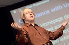 Jakob Nielsen palestrando sobre as heurísticas