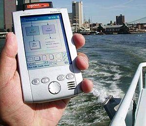 PocketDraw navegando num barco ferriboat - créditos Mike Lee
