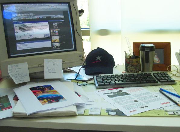 Uma típica escrivaninha
